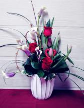 Roses & Callas in Tulip vase