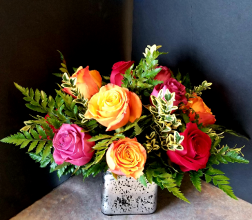 ROSES IN THE CUBE VASE
