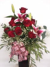 ROSES & LILIES... LOCAL DELIVERY