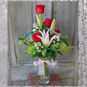 Roses & Lily Woodland  Vase Shop Special