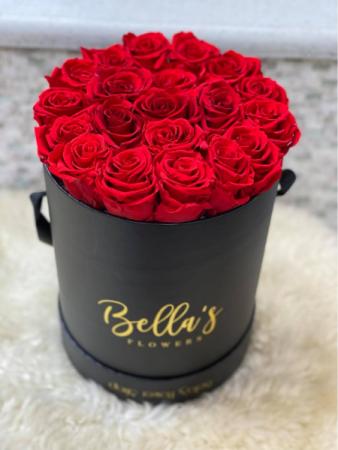 Round Black Box One-Year Roses