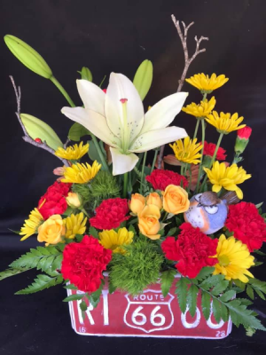 Route 66 In Full Bloom Planter in Longview, WA | Banda's Bouquets