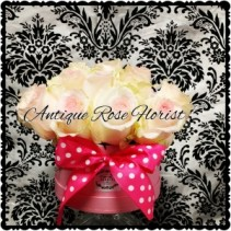 Royal Flower Box  SMALL With any color Rose choice in this Luxury Box