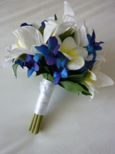 royal love boutonniere