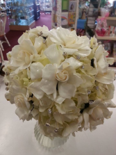 Royal White Bride Bouqet Wedding bouquet