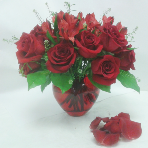 Ruby Red Heart  in Tottenham, ON | TOTTENHAM FLOWERS & GIFTS
