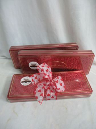 Russell Stovers Tin Valentines Chocolates Russell Stover Metal Tin w/assorted Chocolates