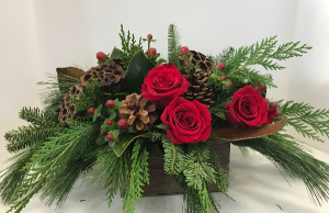 Rustic Christmas wooden box in Northport, NY | Hengstenberg's Florist