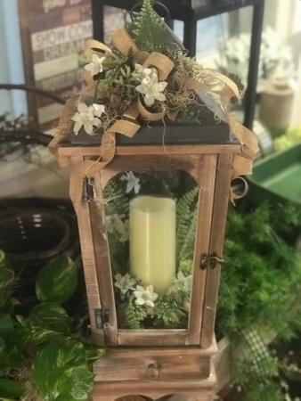 Rustic lantern with storage drawer Silk