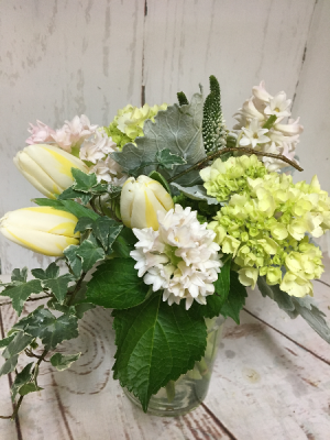 Rustic Whites  in Easton, CT | Felicia's Fleurs