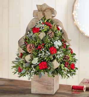 Rustic XMAS tree  in Whittier, CA | Rosemantico Flowers