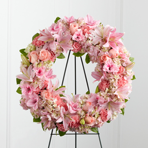 S21-4484 WREATHS in Los Angeles, CA | California Floral Company