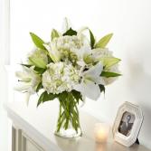 S5262D Hydrangea & Lily Bouquet Vase Arrangement