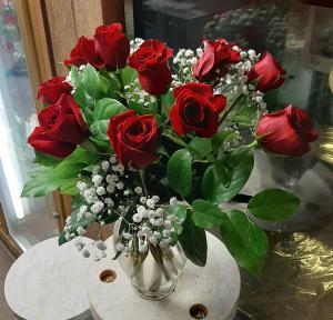 Sale Roses Roses in Detroit, MI   Brazelton's Floral
