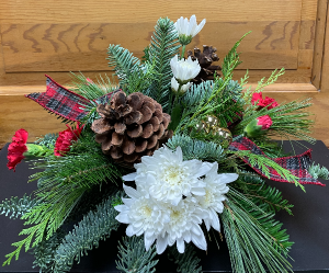 Santa Centerpiece  in Yankton, SD | Pied Piper Flowers & Gifts