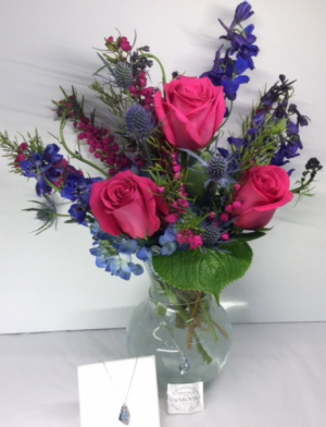 Sapphire Skies Vase With Swarovski Crystal Necklace in Troy, MI | DELLA'S MAPLE LANE FLORIST