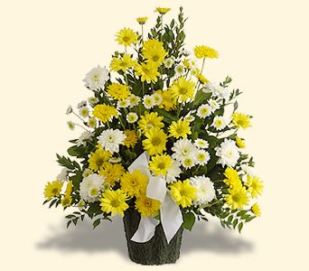 YELLOW AND WHITE WONDER SYMPATHY ARRANGEMENT Shades of yellows and whites