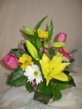 Sending a Smile spring flowers