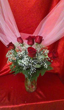 R6V Loving thoughts Valentine Arrangement