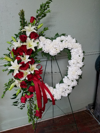 Sentimental Heart Standing Heart Wreath