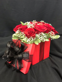 Sexy Square Hat box Rose Arrangement
