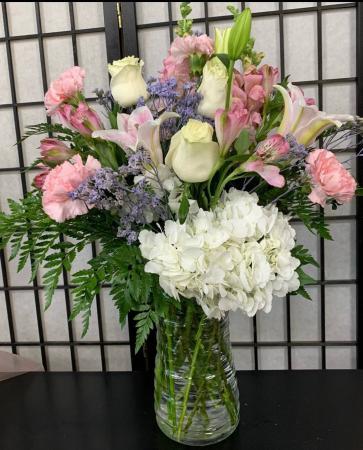 SFS P973 Vased Bouquet