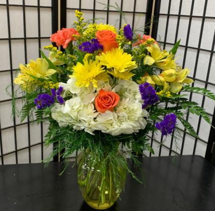 SFS Y999 Vased Bouquet