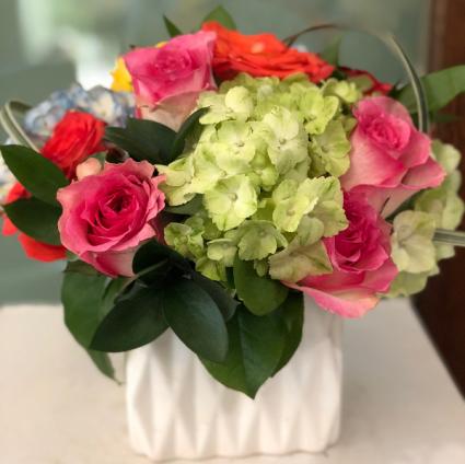 SHARE A LITTLE SUNSHINE ELEGANT MIXTURE OF FLOWERS