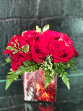 Short and sweet dozen roses Valentines Day
