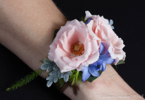 Short & Sweet Corsage