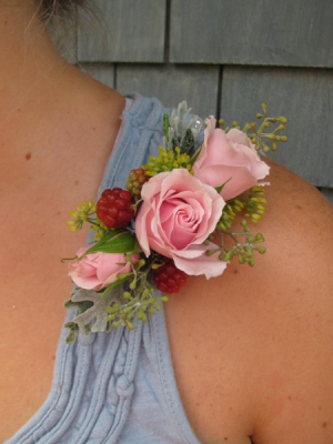 Shoulder Corsage  in Osoyoos, BC | Osoyoos Flowers