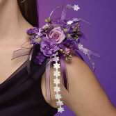 Shoulder corsage in mauve