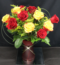 Signature Roses 1 Dozen Mixed Roses