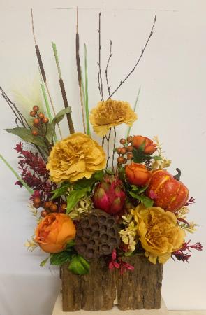 (SILK) Butterscotch and pumpkin pie Silk flower arrangement