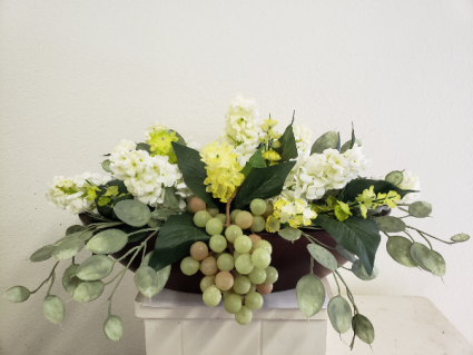 (SILK) Sweet Beauty Silk flower arrangement