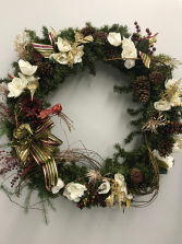 SILK WREATH WITH MAGNOLIAS AND BERRIES THREE FOOT WREATH