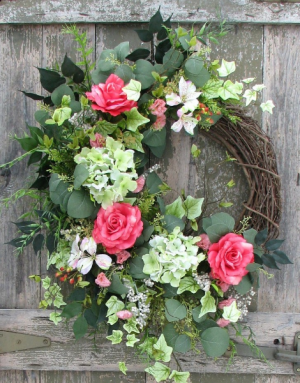 CUSTOM MADE SILK WREATHS  in Georgetown, KY | Carriage House Gifts & Flowers