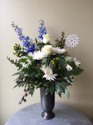 Silver Noel  in La Grande, OR | FITZGERALD FLOWERS