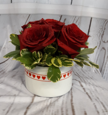 Simple and Sweet Red Rose Bowl