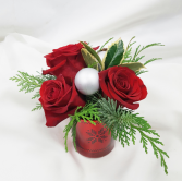 Simple Christmas Fresh Floral Design