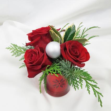 Simple Christmas Fresh Floral Design