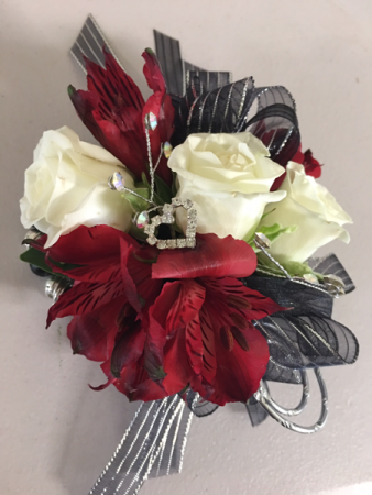 Simple Sheek Corsage