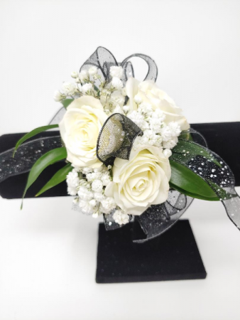 Simple Style in white Wrist Corsage