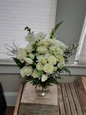 Simple whites  in Nassawadox, VA | Florist By The Sea