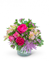 Simply Cosmopolitan Flower Arrangement