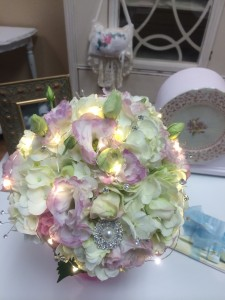 SIMPLY ELEGANCE Brides Bouquet