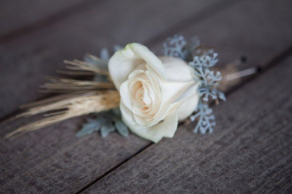 simply elegant boutonniere