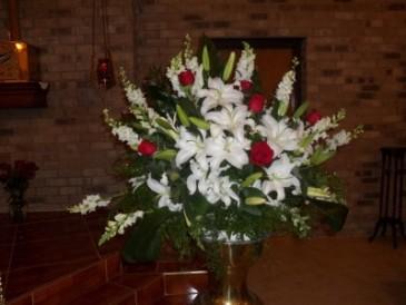 Simply Elegant Ceremony Arrangement Ceremonial