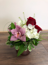 Simply elegant Rose gold vase arrangement