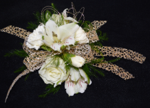 SIMPLY GOLDEN CORSAGE